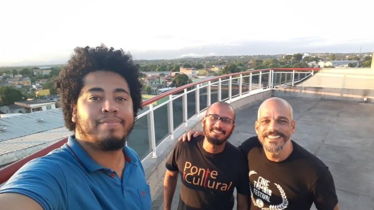 Romario Regis - Alberto Sena e Marcos Moura